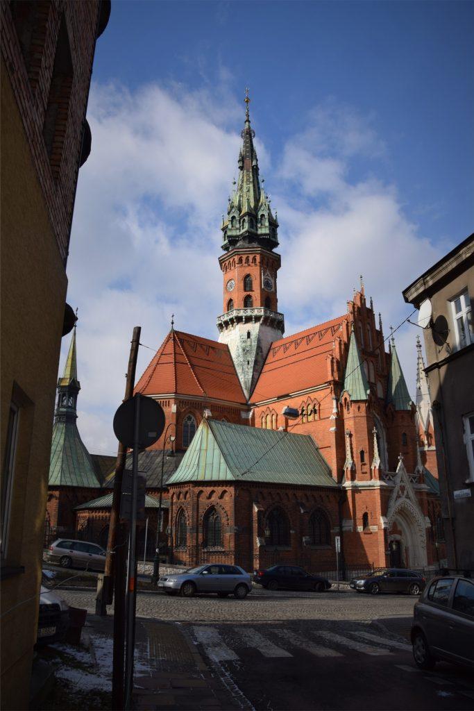 Widok na kościół św. Józefa od strony ul. Andrzeja Potebni