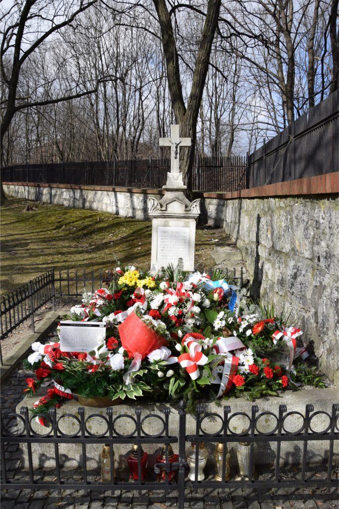 Nagrobek Ewarda Dembowskiego na Starym Cmentarzu Podgórskim
